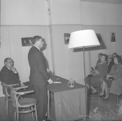 Conférence sur les fables : Robert Vial