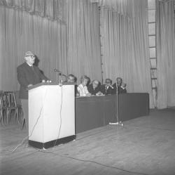 """Conférence """"Pour ou contre la peine de mort"""" (Jean Rostand)"""