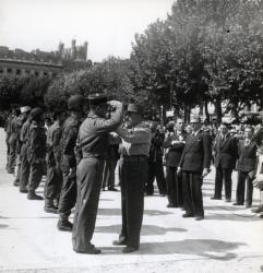 [Revue militaire place Bellecour, 5 septembre 1944]