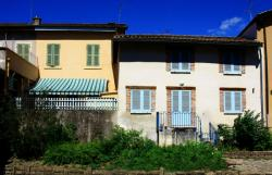 Châtillon-sur-Chalaronne, maisons bordant la Chalaronne