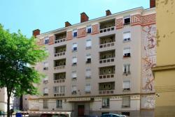 """Fresque la """"Porte de la soie"""", 3 rue Carquillat, 1er arrondissement."""