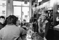 [Café de la Cloche (Antoine Valls, propriétaire-gérant)]