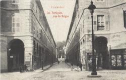Chambéry : Les Portiques ; rue de Boigne.
