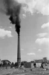 [Démolition de la cheminée de l'usine Lenzbourg]
