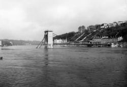 Pont Mazarik sur la Saône