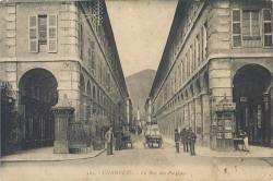 Chambéry : La Rue des Portiques.