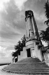 [Vierge monumentale du Mas-Rillier à Miribel (Ain)]