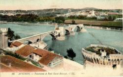 Avignon - Panorama et Pont Saint-Bénézet.