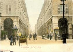 Chambéry : Rue des Portiques