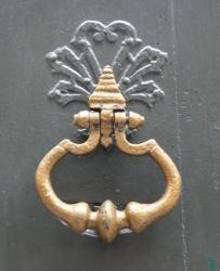 Heurtoir, 12 rue Royale