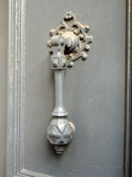 Heurtoir, 27 rue Cavenne