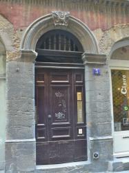 Imposte à arabesques, 3 rue des Trois-Maries