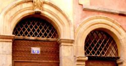 Imposte à treillis losangé, 6 et 4 rue des Trois-Maries