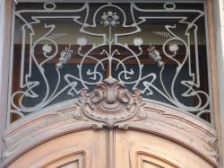 Imposte art nouveau, 2 rue Thimonnier