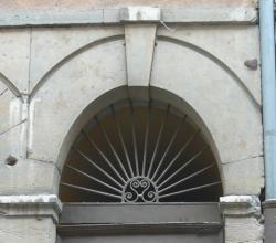 Imposte rayonnante, 4 rue de Gadagne