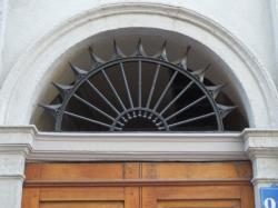 Imposte rayonnante, 28 rue Victor-Hugo