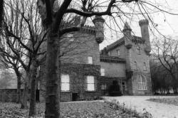 [Château de Bienassis à Villemoirieu, près Crémieu (Isère)]