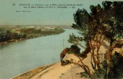 Avignon - Panorama sur le Rhône pris du jardin du Rocher vers le Mont Ventoux (1912 m. d'altitude)