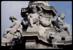 [Fontaine, place Maréchal Lyautey]