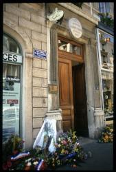 [Maison natale d'Antoine de Saint-Exupéry, place Bellecour]