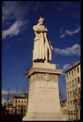 [Statue de Jacquard]