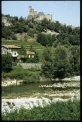 [La rivière Ardèche et château, Ventadour]