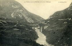 Le Viaduc sur le Rhône et le fort l'Ecluse..