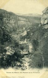Ruines du Moulin des Pierres sur le Valserine.