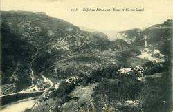 Défilé du Rhône entre Yenne et Pierre-Châtel.