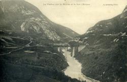 Le Viaduc sur le Rhône et le fort l'Ecluse.