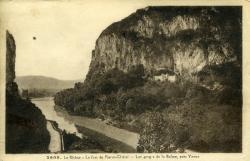 Le Rhône - Le fort de Pierre-Châtel - Les gorges de la Balme, près Yenne.