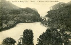 Environs de Belley (Ain) - Yenne - Le Rhône et le Fort de Pierre-Châtel.