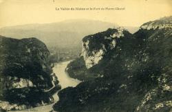 La Vallée du Rhône et le Fort de Pierre-Châtel.
