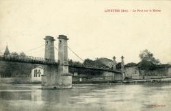 Loyettes (Ain). - Pont suspendu sur le Rhône.