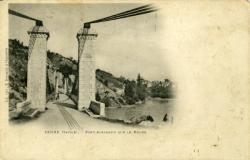 Yenne (Savoie). - Pont suspendu sur le Rhône