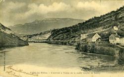 Vallée du Rhône. - L'arrivée de la route venant de Belley.