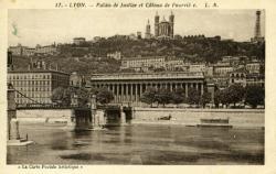 Lyon - Palais de Justice et Côteau de Fourvière.