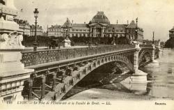 LYON. - Le Pont de l'Université et la Faculté de Droit.