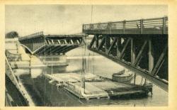 LYON -Les ponts meurtris