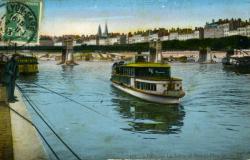 Lyon - La Saône et Bateau-Mouche