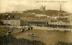Lyon - Le Palais de Justice et le Coteau de Fourvière