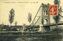 Vernaison (Rhône) - Le Pont, vu des Iles