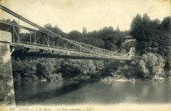 Lyon. - L'Ile Barbe. - Le Pont suspendu.