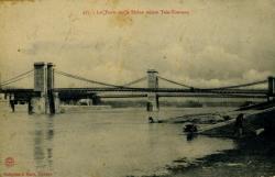 Les Ponts sur le Rhône reliant Tain-Tournon