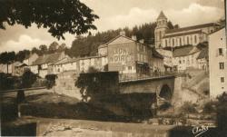 Les Belles Provinces Françaises : L'Auvergne ; Pontaumur ; Le Pont sur le Sioulet et l'Eglise.