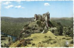 L'Auvergne Pittoresque : Ruines du Château-Rocher dominant les Gorges de la Sioule.