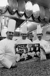 [Paul Bocuse et sa brigade]