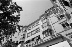 [Architectures du XXe siècle : immeuble de la place Le Viste]