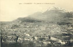 Chambéry : Vue générale et le Nivolet (1553 m.).