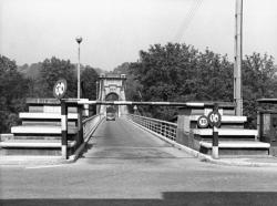 [Pont de l'Ile-Barbe]